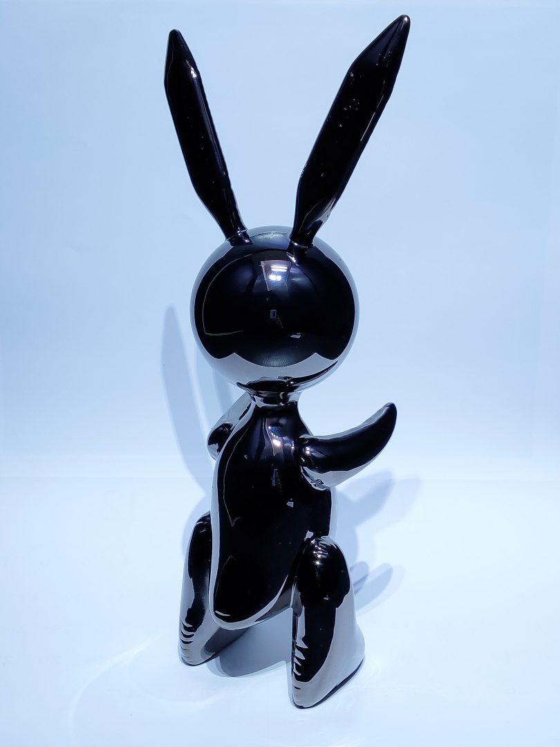 No.99-79ジェフ・クーンズ「RABBITブラック」レジンキャスト33.5×14×10cm2.jpg